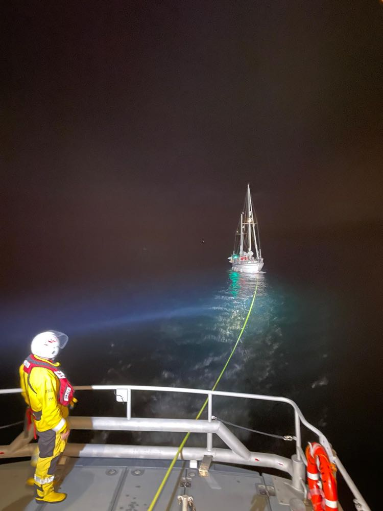 Padstow RNLI crew launched to 32ft ketch